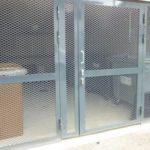 Saku metall -ovet ja -seinät